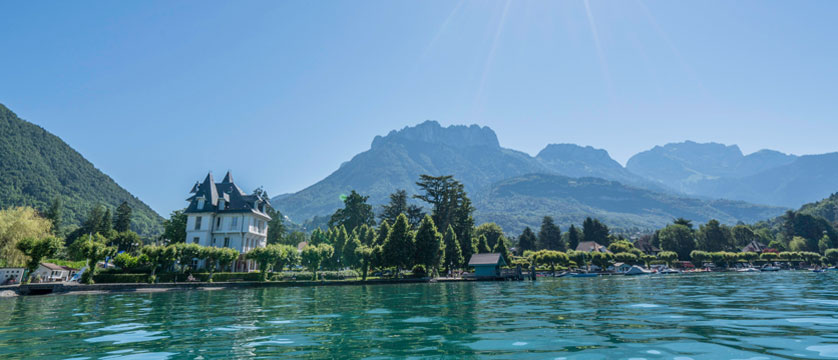 Hotel Pavillon des Fleurs, Talloires, Lake Annecy, France - exterior by the lake.jpg